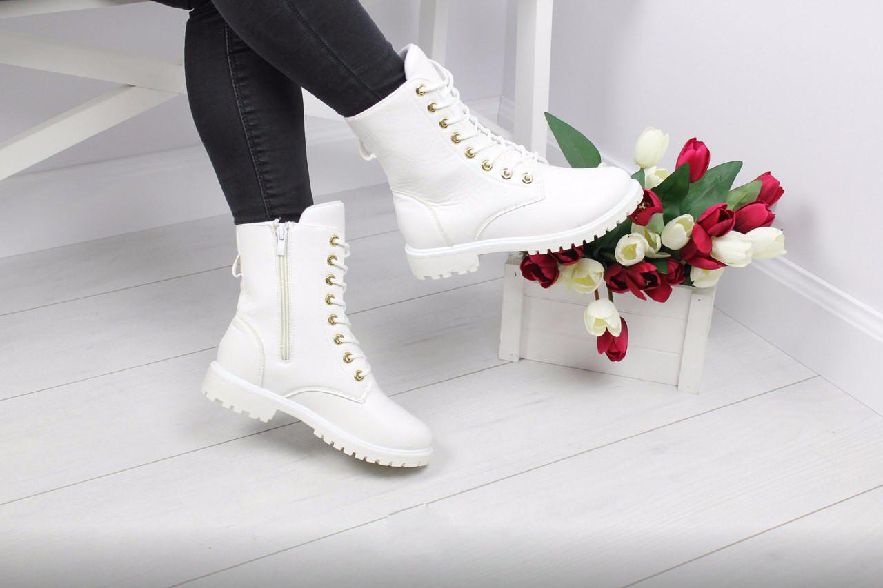 Ботинки женские на шнуровке (белые)