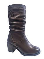 Кожаные женские зимние сапоги на каблуке Romax 4330
