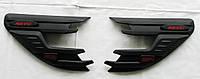 Toyota Hilux Revo 2014 накладки черные на передние фары