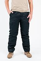 Зимние камуфлированные брюки для охраны на синтепоне Гретта черного цвета