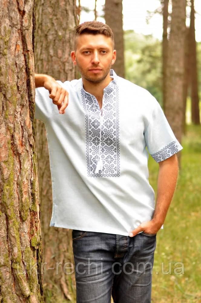 Мужская рубашка-вышиванка с коротким рукавом светло-голубая