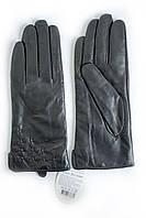 Женские зимние перчатки из кожи козы в черном цвете