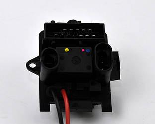 Резистор регулятора скорости вентилятора на Renault Trafic II 01->2014 - Renault (Оригинал) - 7701208226