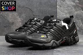 Кроссовки adidas Terrex 380, черно - белые, материал - натуральная кожа, подошва - пенка