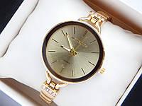Женские кварцевые наручные часы копия Michael Kors золотого цвета, золотистым циферблатом, на тонком браслете, фото 1
