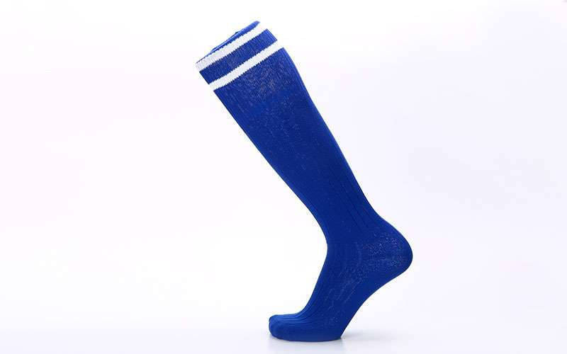 Гетры футбольные взрослые синие с белой полосой CO-5607-B