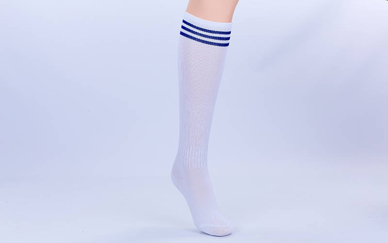 Гетры футбольные детские белые с синей полосой EDP601-W