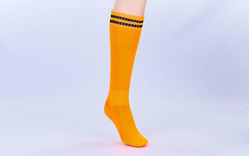 Гетры футбольные детские оранжевые с черной полосой EDP603-OR