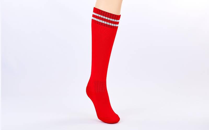 Гетры футбольные взрослые красные с белой полосой ETM011-R