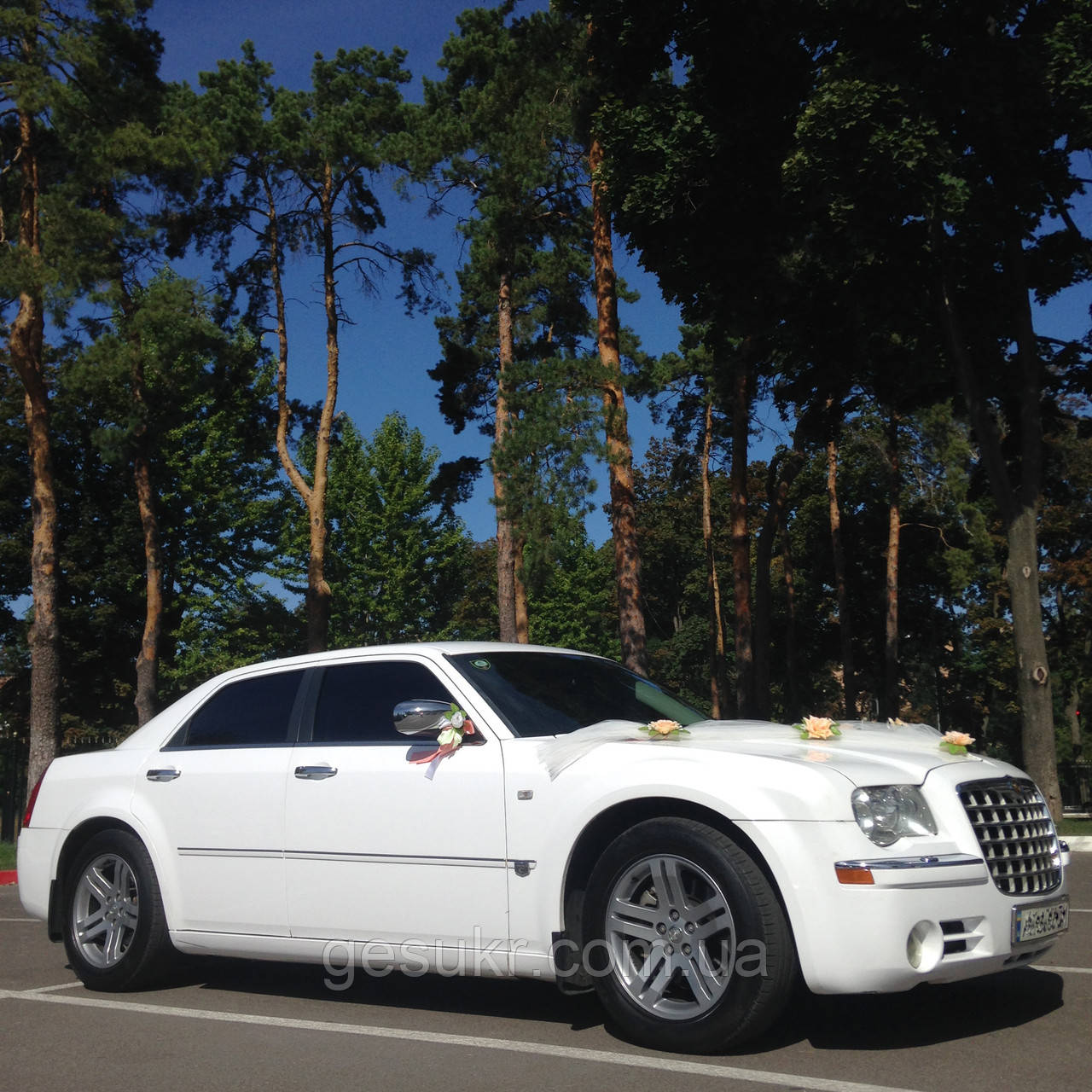 Аренда авто на свадьбу Белый Chrysler 300c