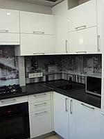 Кухня Белая Глянец, П-образное расположение, скинали, черно белая, фото 1