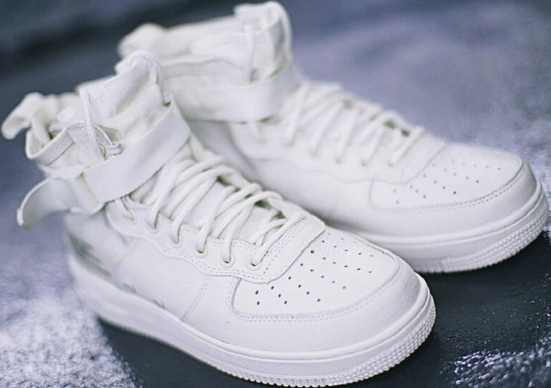 4307880a Кроссовки найк Nike SF Air Force 1 Utility Mid All White на