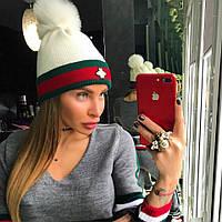 Женская теплая шапка с меховым помпоном в расцветках 18GO51
