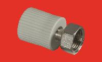 Переходник 20х1/2 с внутренней металлической резьбой с накидной гайкой  FV-PLAST