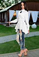 Белая блузка с брошью в комплекте