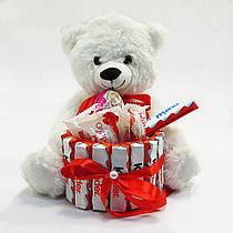 Букет из игрушек и конфет Мишка с киндер и рафаэлло