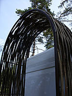 Арка декоративная плетеная лещина
