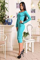 Женское силуэтное платье с открытыми плечами, фото 1