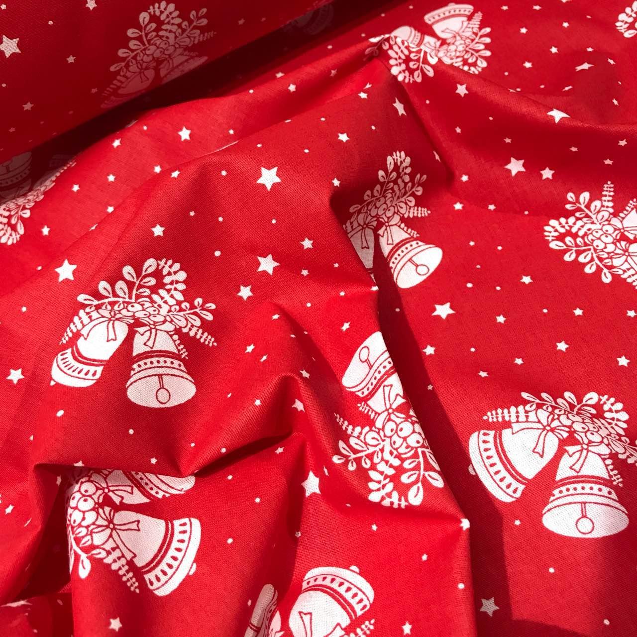 Новорічна тканина з дзвіночками на червоному тлі № 812