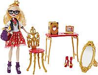 Игровой набор Эппл Уайт назад в школу / Apple White Back-To-School Room to Study Doll