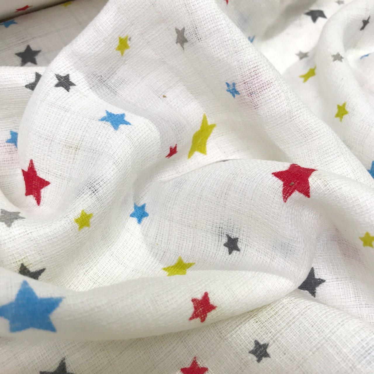 Муслін різнокольорові зірочки на білому фон 140 г/м2 № 2-17
