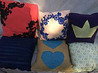 Подарочная подушка на выбор - 6 моделей - флок