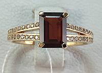 Кольцо с гранатом золотое 585 проба