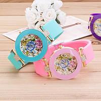 Часы женские Витражные цветы силиконовы ремешок мята