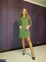 Стильное зеленое прямое платье с полосками надписей. Арт-11148