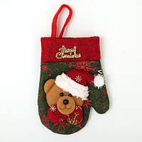 Новорічна рукавичка з ведмедиком для столових приладів