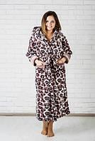 Длинный махровый женский халат с капюшоном под запах.