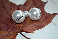 Пуссеты белые жемчужные надпись Love