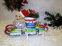 Новогодние сани из сладостей №6