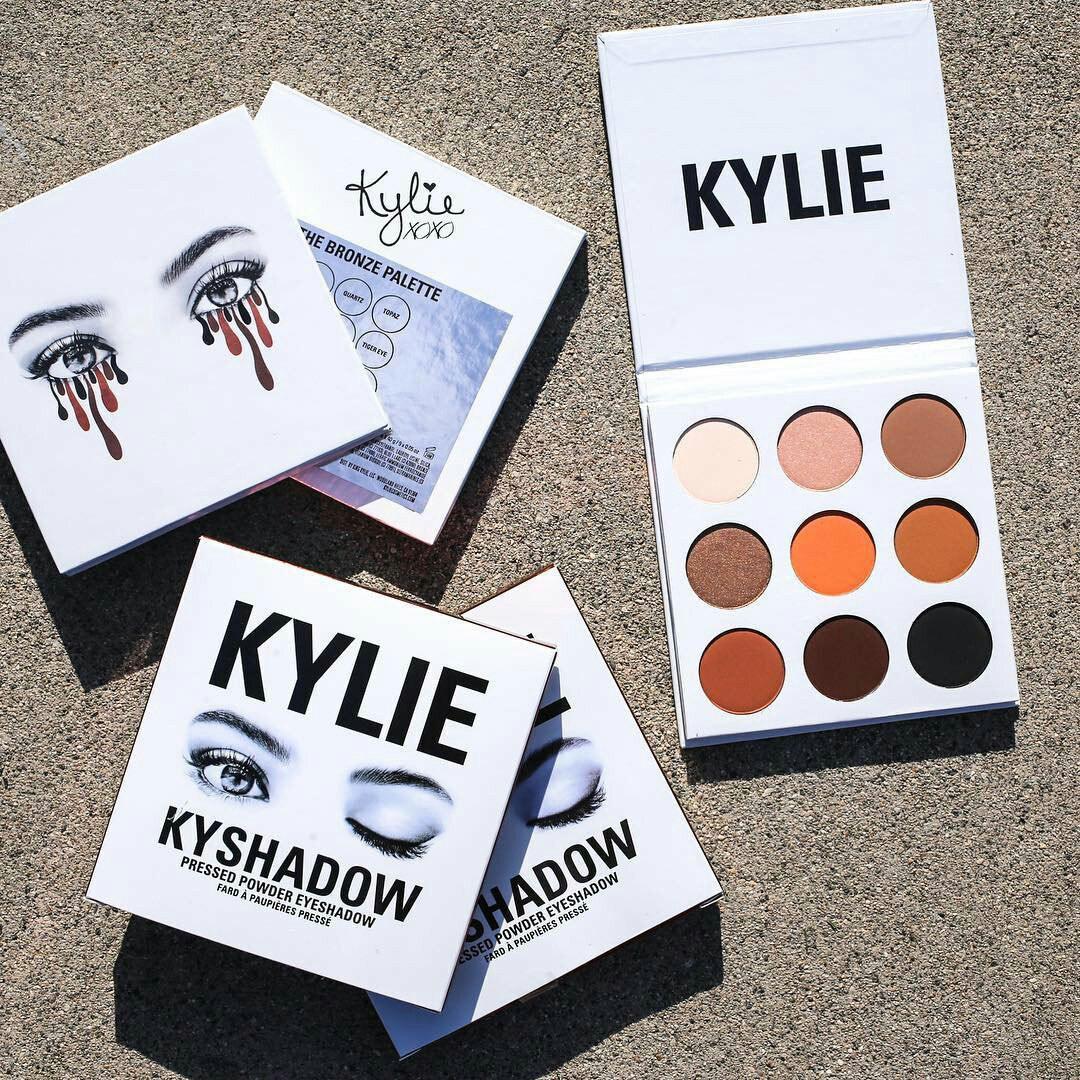 Картинки по запросу Профессиональная палетка теней Kylie Kyshadow