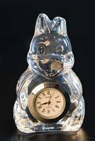 Фигурка из хрусталя Заяц с часами