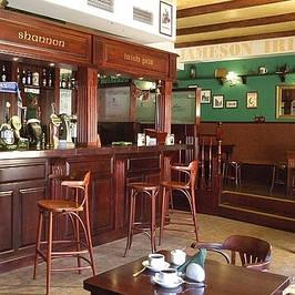 Стулья для кафе и баров (на деревянном каркасе)