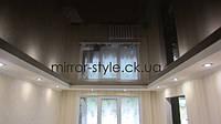 Коричневый, зеркальный, глянцевый,французский, натяжной потолок в гостиной Черкасс от Мирор Стайл - натяжные потолки Черкассы.