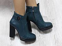 Ботиночки кожаные на каблуке демисезонные зеленого цвета
