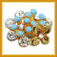 Женское безразмерное кольцо под золото цветущий сад с белыми стразами и голубыми акриловыми вставками