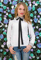 Белая блуза с бантиком