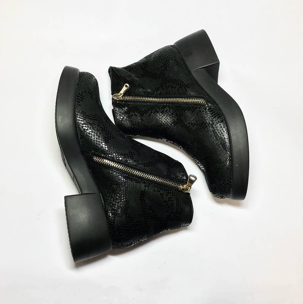 *Ботинки  женские зимние из натуральной кожи низкий ход,с натуральным мехом внутри овчина 36