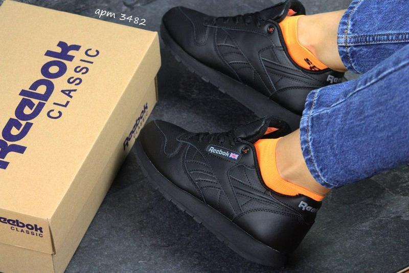 Жіночі зимові кросівки Reebok Classic (3482) чорні 1a5ed8696a5e2