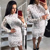 Женское белое платье из гипюра