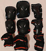 Защита Фирменная Micro размер L на взрослого, чёрная с синим или красным