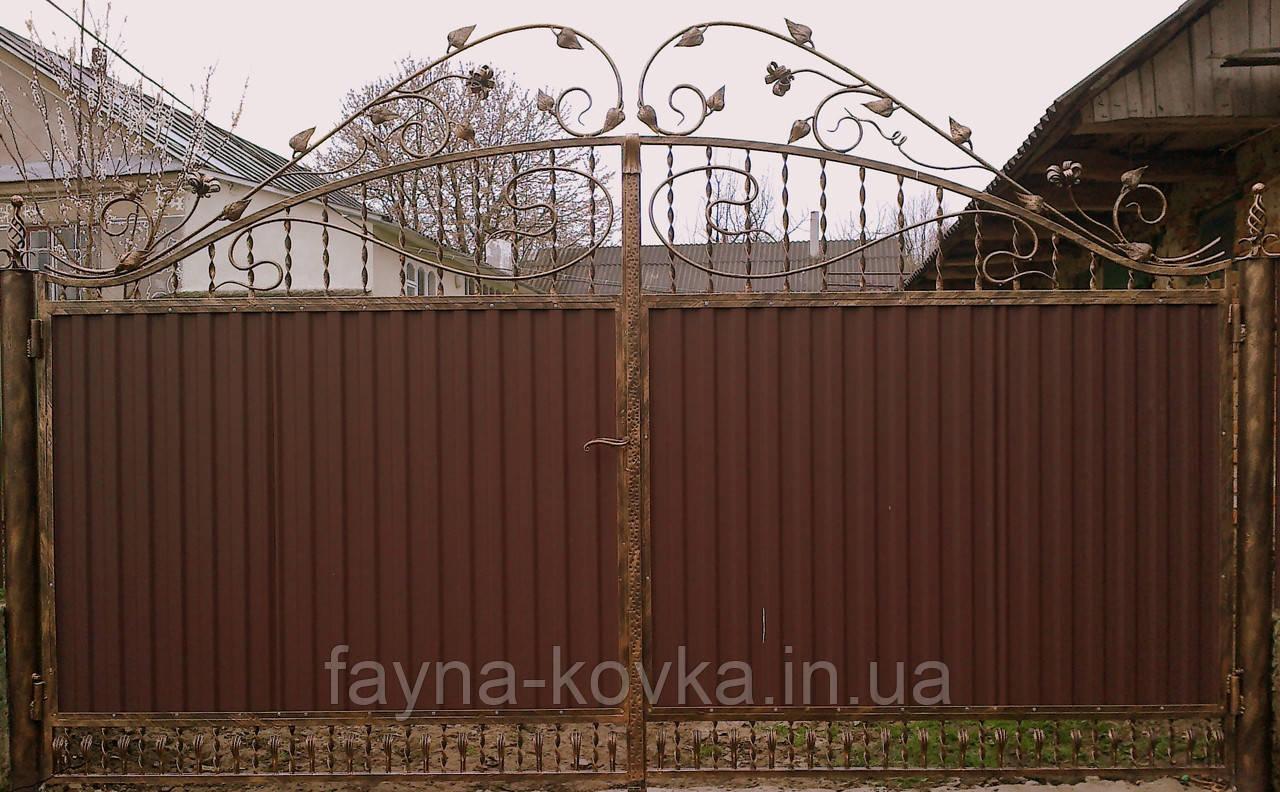 Ворота ковані закриті профнастілом 7940