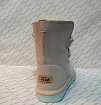 Угги женские из натуральной кожи UGG бежевые перламутр с бубонами на шнуровке Код 1076, фото 2