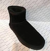 Угги мужские из натуральной замши UGG черного цвета короткие