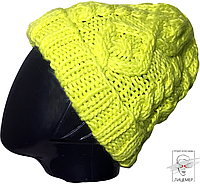 Женская зимняя шапка ярко-желтая