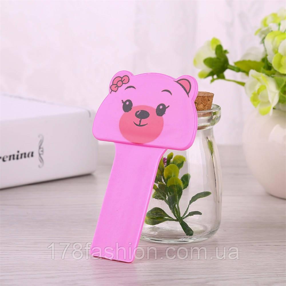 Ручка для поднятия крышки унитаза мишка розовый