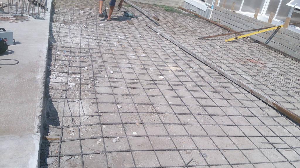 Применение стеклопластиковой арматуры d8 мм в устройстве бетонных полов.